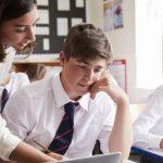درآمد یک معلم در بریتانیا/ دولت: برای جذب معلمان جدید دستمزدها را افزایش میدهیم